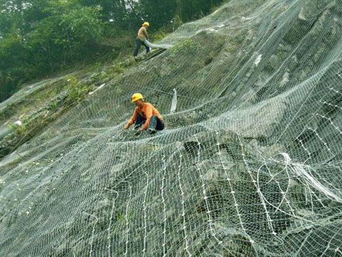 【图文】边坡防护网有哪些作用_勾花防护网是什么