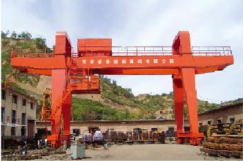 500吨双梁造船门机