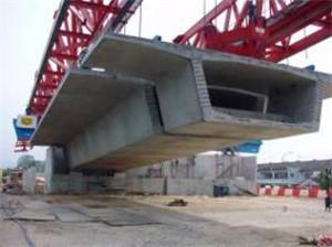 悬拼式架桥机