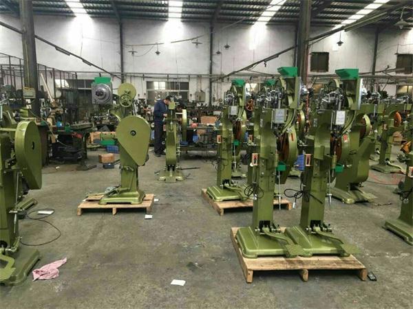 武漢鉚釘機廠家