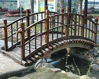 炭化木拱桥