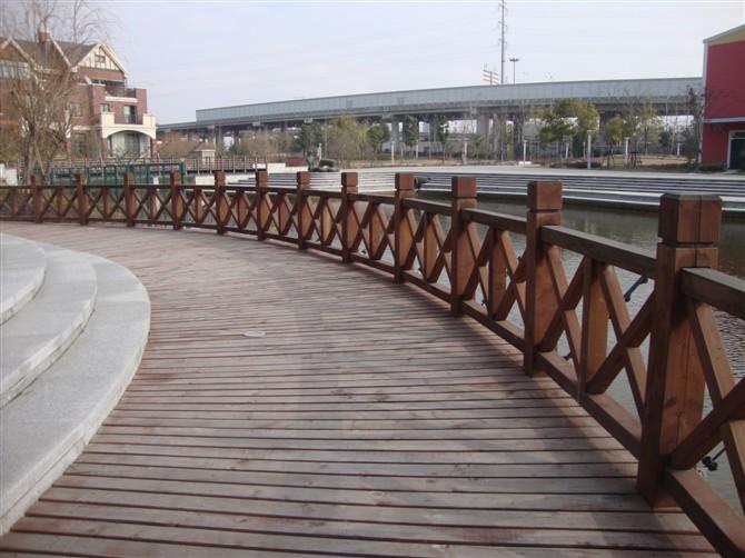 贵阳炭化木护栏