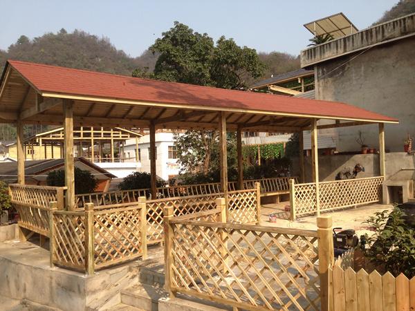 贵州碳化木亭子