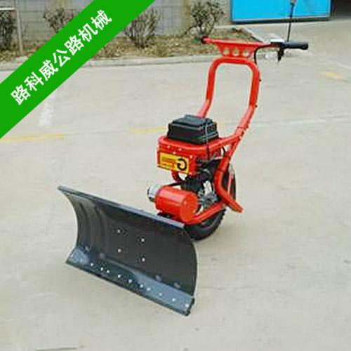 清雪设备除雪铲应用范围 扬雪机的使用方法
