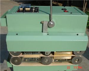 随吹塑机配套的机用型粘边机