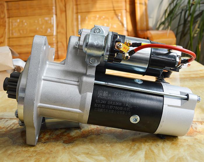 日野750柴油机