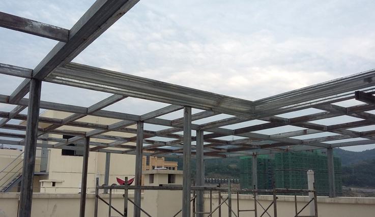 楼顶阳台家用雨棚案例