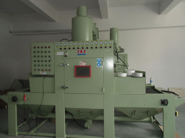 1212A-12通过式自动喷砂机
