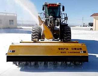 滚刷小型扫雪机