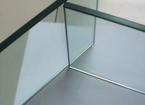 郑州钢化玻璃加工厂