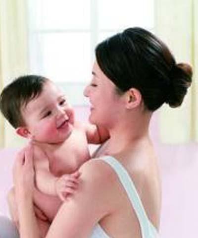 <知�R>哺乳期食物建�h 母乳中的�色有哪些