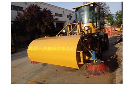【揭秘】渣土清扫机燃油系统与水箱保养有哪些 使用渣土清扫机的注意要素