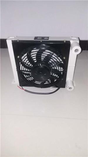 小型压路机用散热器