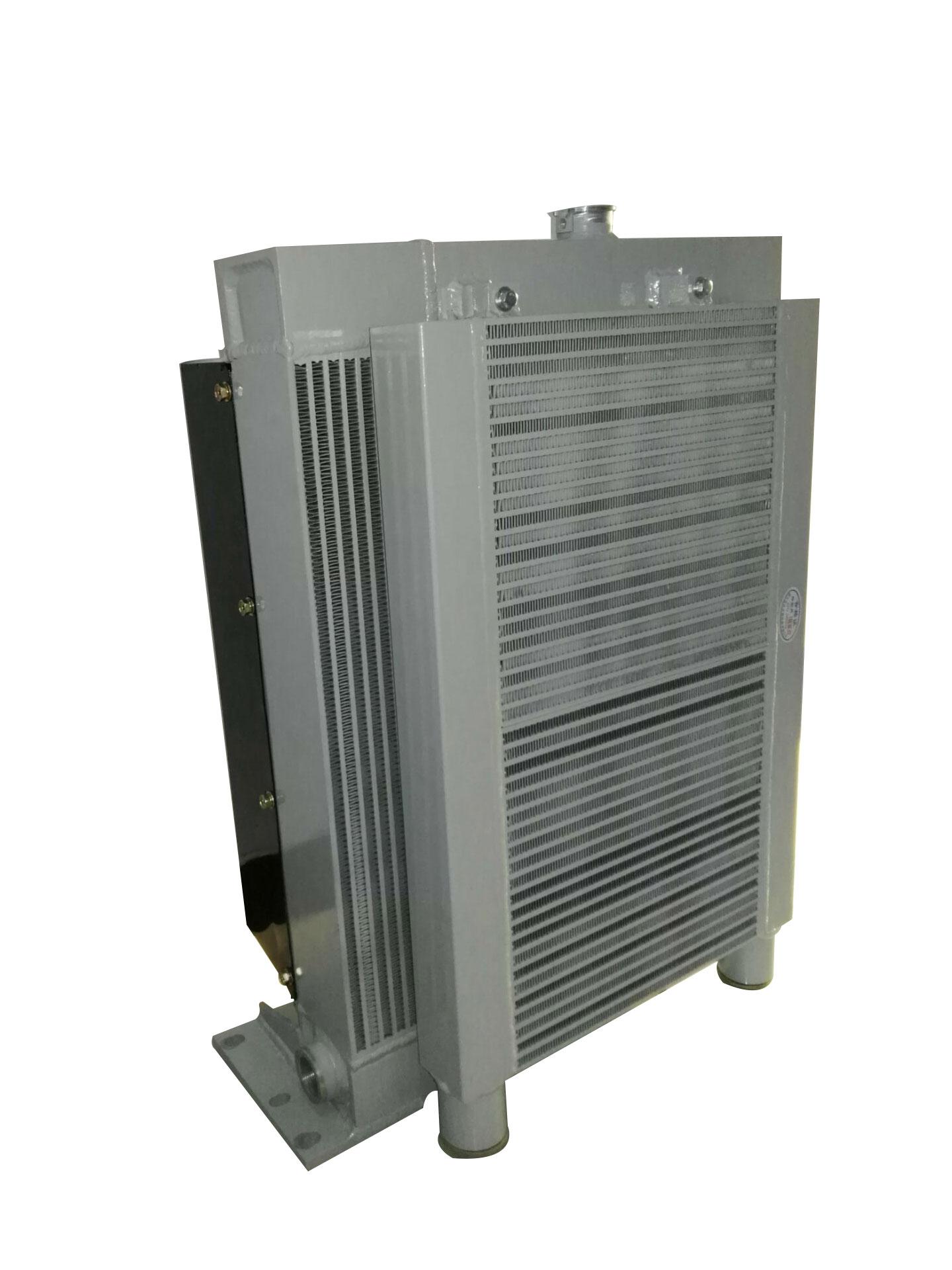 水油复合水箱散热器