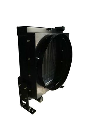 发动机水箱散热器