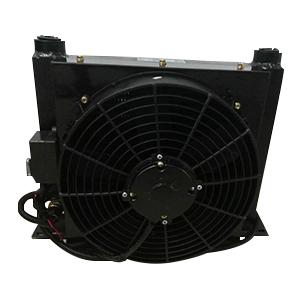 32升混凝土攪拌車用風冷卻器