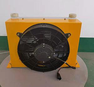 云梯车用风冷散热器