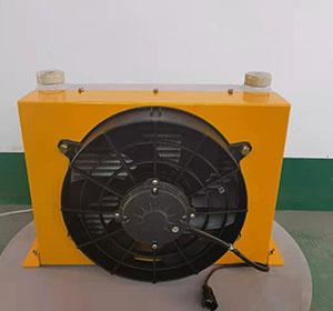 云梯车用液压油散热器