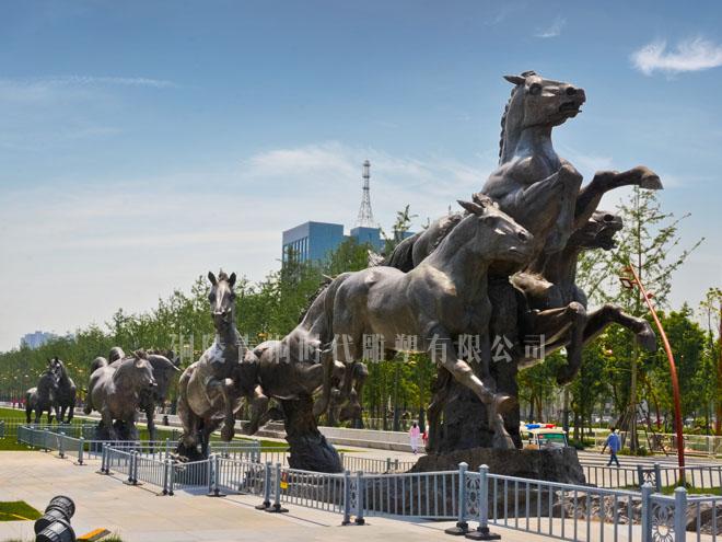 《九骏》铸铜雕塑