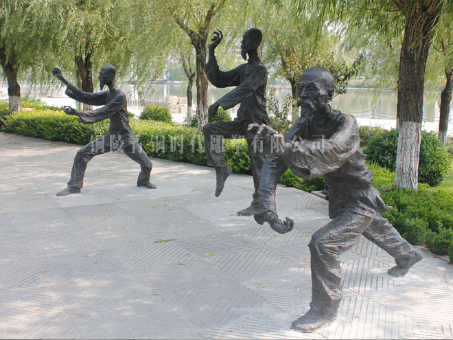 《螳螂拳》铜雕塑