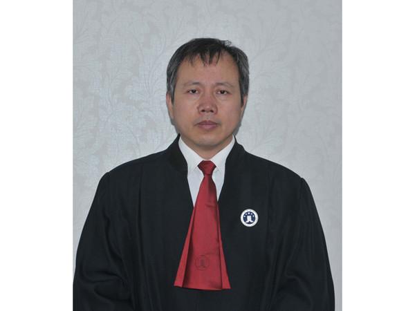 梁建文律师