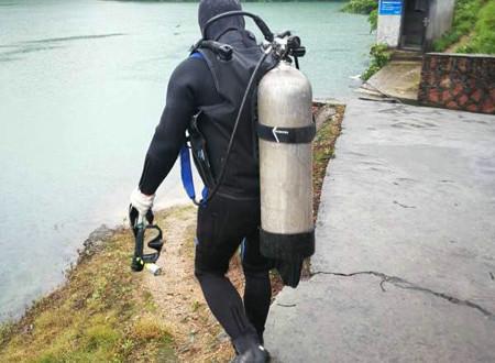 潜水员水下堵漏
