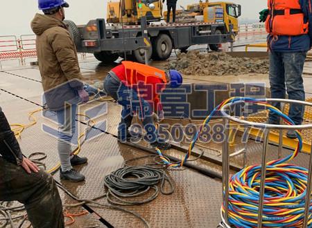 潜水水下堵漏施工方法