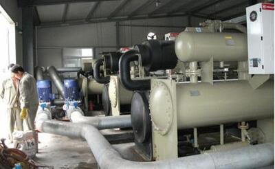 中央空调冷水机组冷凝器清洗