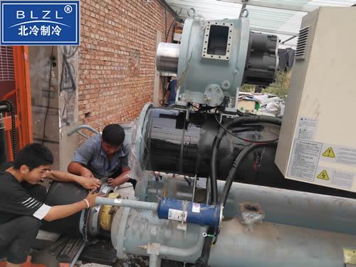 中央空调螺杆压缩机组维修