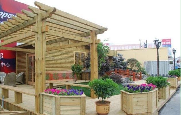 石家庄防腐木厂防腐木花架简介 防腐木厂家打造个性的秘密花园