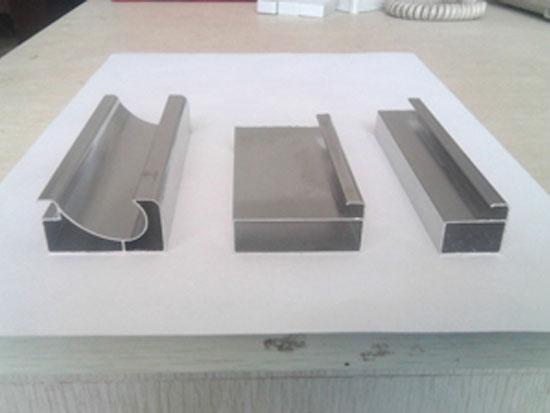 晶钢门铝材供应