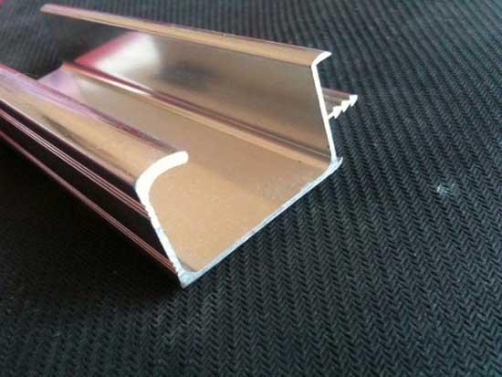 周口UV碳光门铝型材