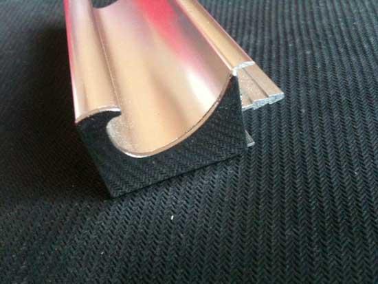 UV碳光门铝材供应