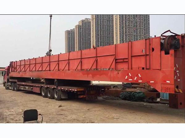 桥梁钢结构吊车运输