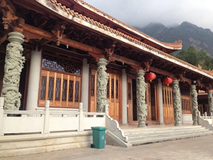 文化柱雕塑