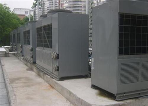美的空气能浴室热水工程