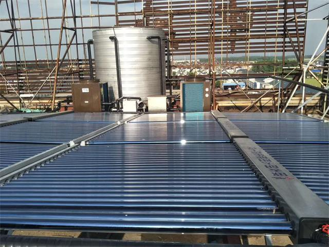 泰州戴南如家宾馆空气能太阳能热水工程
