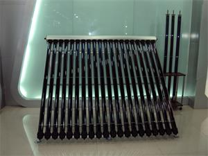金属超导热管集热器