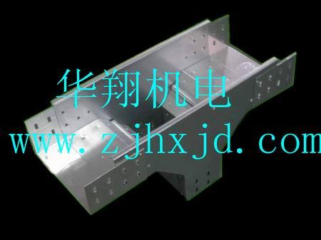 节能型槽式桥架上垂直三通