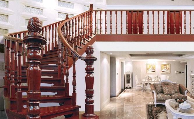 实木楼梯哪家好