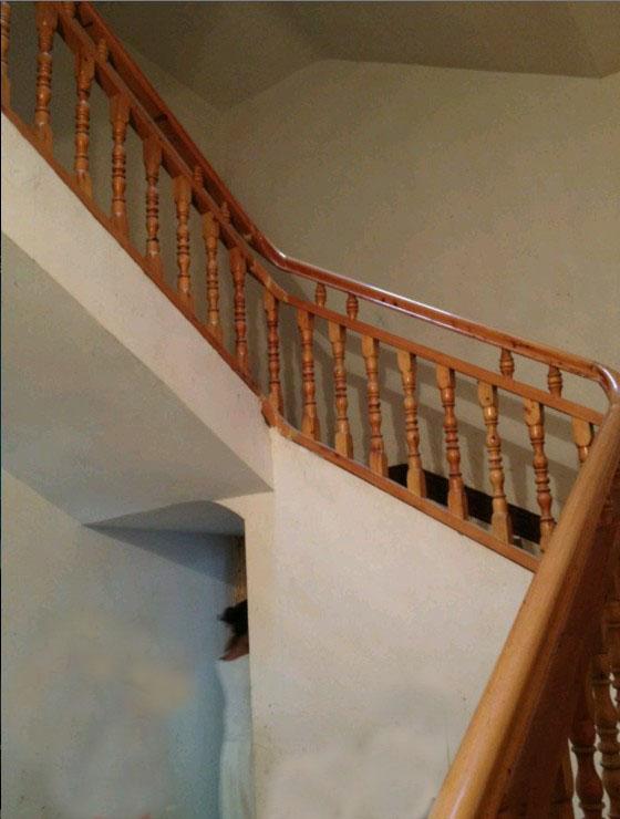 室内实木楼梯栏杆