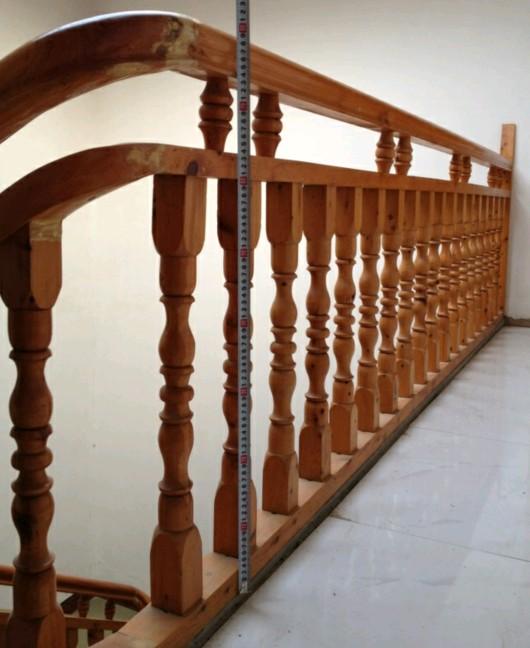 遵义木楼梯栏杆安装