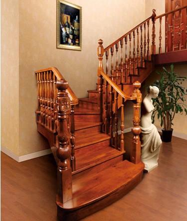 室内木楼梯定制