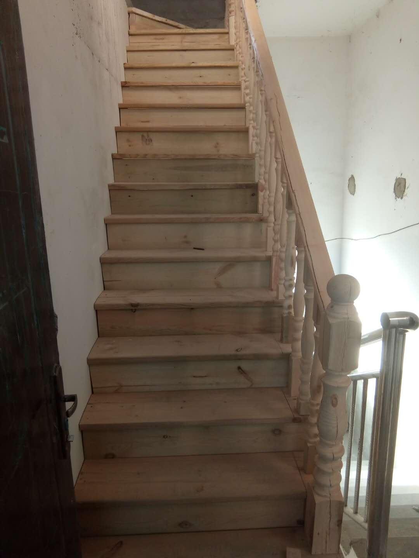 贵州实木楼梯