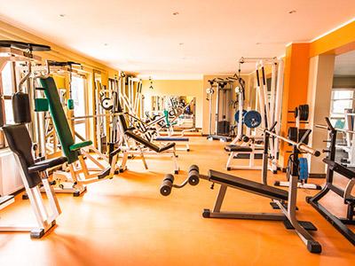 健身房室内器材