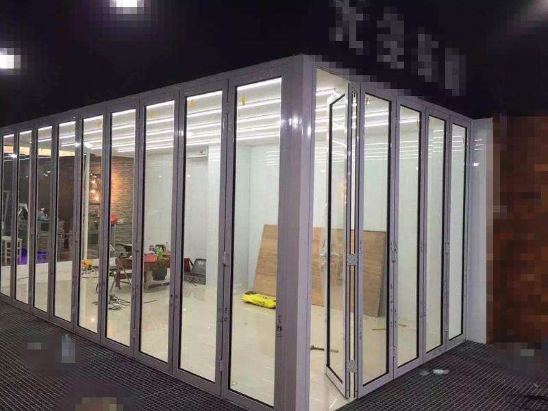 铝型材折叠门