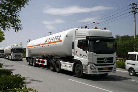 杭州东风牵引车