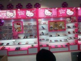 贵州童鞋展柜