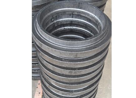 【文章】拖拉机配件厂家为您分析其保养与维护 拖拉机配件厂家总结及时放水的重要性