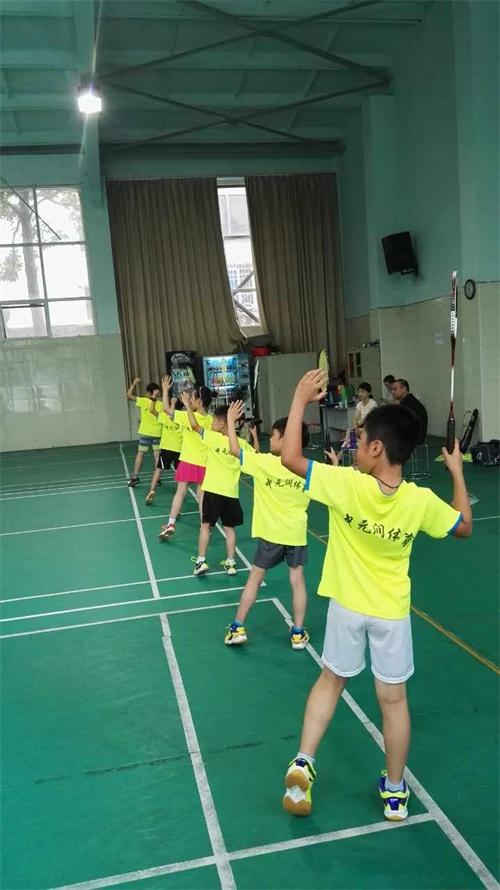 无锡夏季中小学羽毛球培训